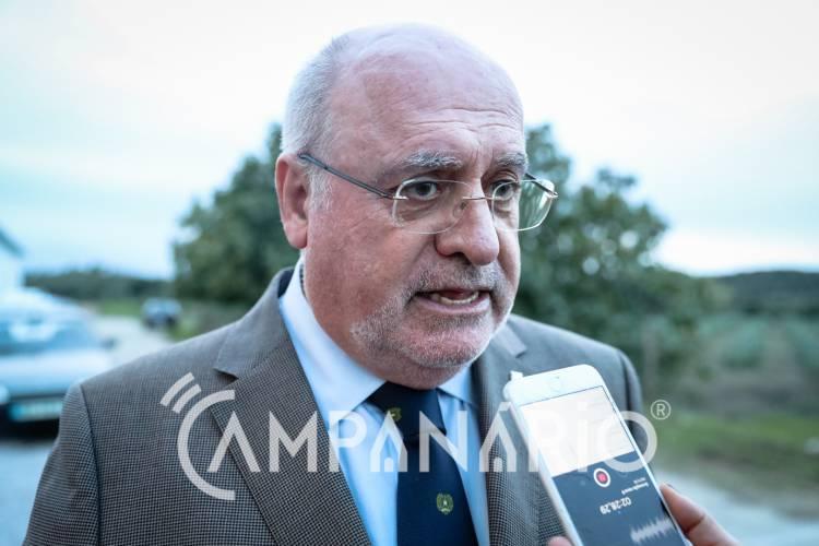 """Ao existir abate ilegal de azinheiras """"será obrigatoriamente reposta a situação inicial"""", diz Capoulas Santos (c/som)"""