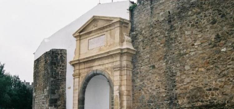 Centro comercial na zona histórica de Évora continua a ser uma hipótese, diz Presidente da Câmara Municipal (c/som)