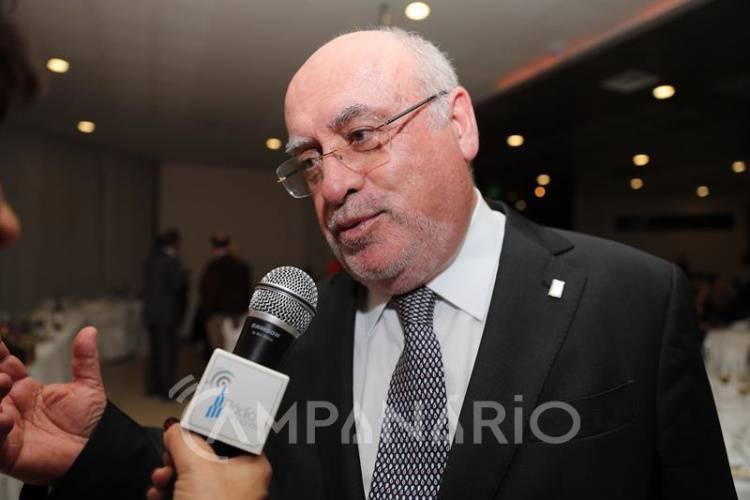 """1ª entrevista a Capoulas Santos após recondução como cabeça de lista pelo distrito de Évora que espera """"um debate elevado e com respeito"""" (c/som)"""
