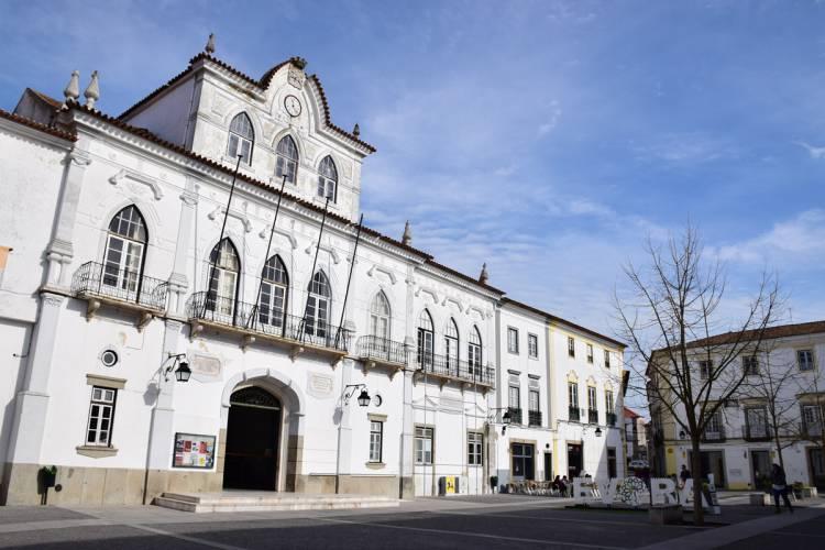 Passivo da Câmara de Évora aumenta com a descoberta de 5 milhões de euros em dívida que o presidente desconhecia