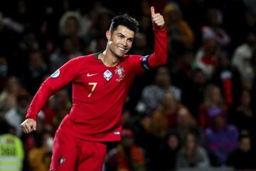 Cristiano Ronaldo embaixador da Associação Sara Carreira