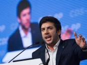 """""""Os valores de centro-direita vão poder ter aqui um terreno fértil para ajudar a desenvolver Mourão"""", afirma Francisco Rodrigues dos Santos, líder do CDS (c/som)"""