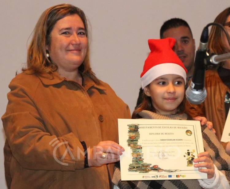 Mourão: Agrupamento de Escolas e município distinguem alunos com Diplomas de Mérito na Festa de Natal (c/som e fotos)