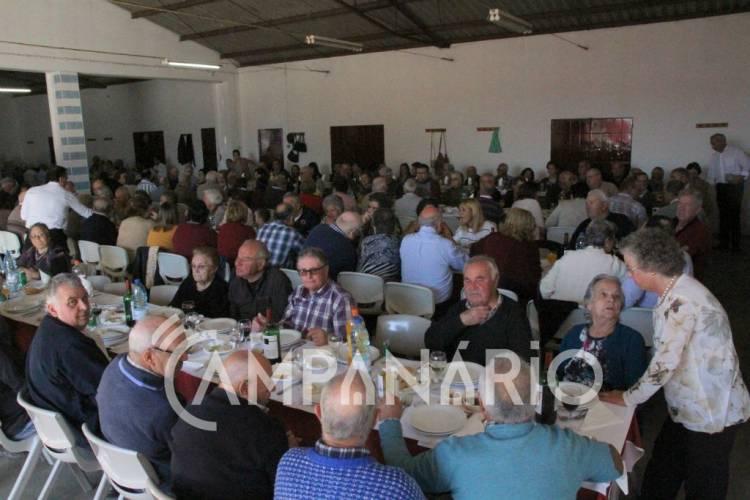 Almoço de Reformados e Idosos de Bencatel visa o convívio entre sócios, diz presidente da Associação (c/som e fotos)