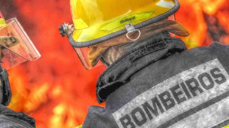 Incêndio em residência de Évora provoca três feridos