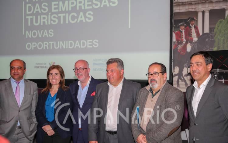 """""""O Alentejo tem sido pioneiro e líder na dinamização e implementação de produtos turísticos através do VALORIZAR"""", diz Secretária de Estado do Turismo (c/som e fotos)"""