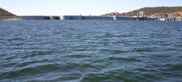 """Chuvas de março mais do que duplicaram armazenamento de água nas barragens. """"É bom, mas não é normal"""", diz Administrador da ARH Alentejo (c/som)"""