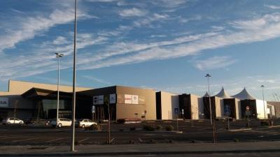 Centros comerciais e lojistas preparados para reabrir no início de junho