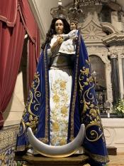 A Imaculada Conceição vestida de azul e ouro para receber os seus devotos dia 8 ( A RC transmite em direto as celebrações)
