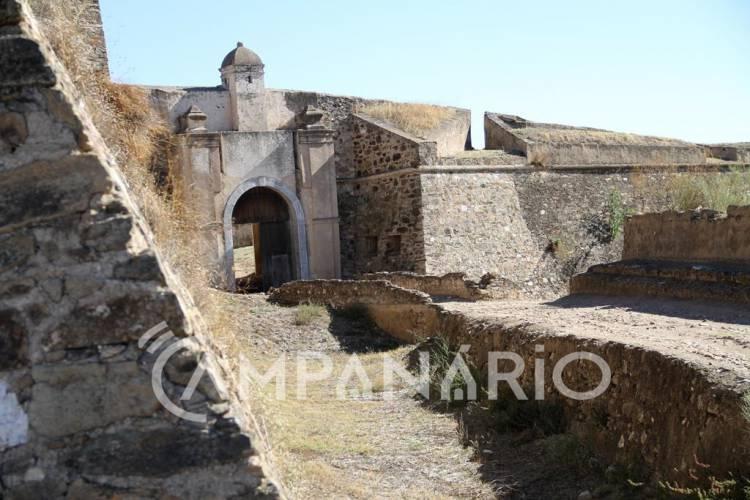 Vai ser apresentado estudo para requalificação das muralhas da Fortaleza de Juromenha, adianta autarca de Alandroal à RC (c/som)