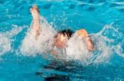 Que medidas podem diminuir o risco de afogamento em piscinas?