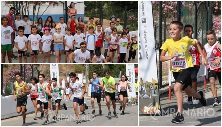 """1ª edição do """"Atletismo Milha de Estrada"""" em Rio de Moinhos """"dá a conhecer a modalidade e estimula os jovens a participarem"""". A RC mostra-lhe a fotos (c/som)"""