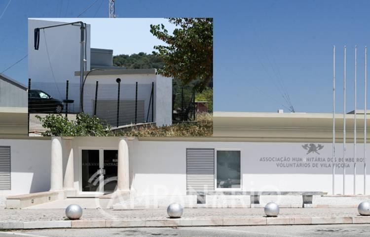 """Bombeiros rejeitam proposta e Câmara de Vila Viçosa pede parecer a CCDRA para declarar o furo de água """"de utilidade pública"""" (c/som)"""