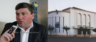 """Vila Viçosa: """"Fomos """"intimados"""" pela CCDRA a melhorar o grau de execução do projeto do cine-teatro"""" diz Inácio Esperança, Presidente da CM (c/som)"""
