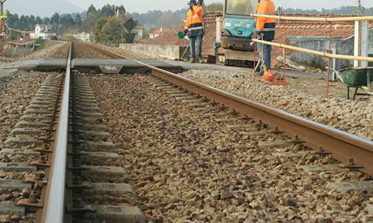 """Mota Engil com """"dificuldades em conseguir mão de obra no Alentejo"""" para obra da ferrovia, diz pres. executivo (c/som)"""