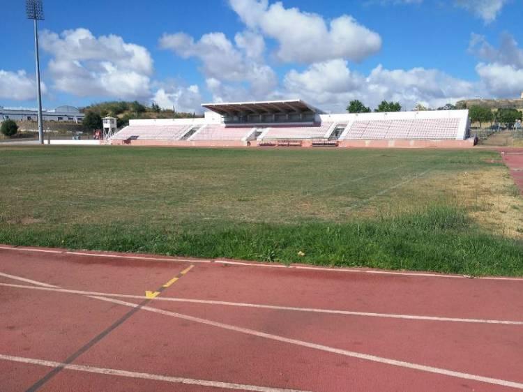 Relvado do Estádio Municipal de Atletismo de Elvas vai ser substituído
