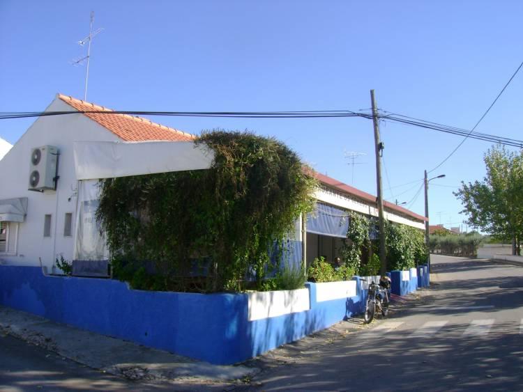 """Os """" Gémeos""""em São Tiago Rio de Moinhos (Borba) uma das melhores tascas para comer, beber e conviver."""