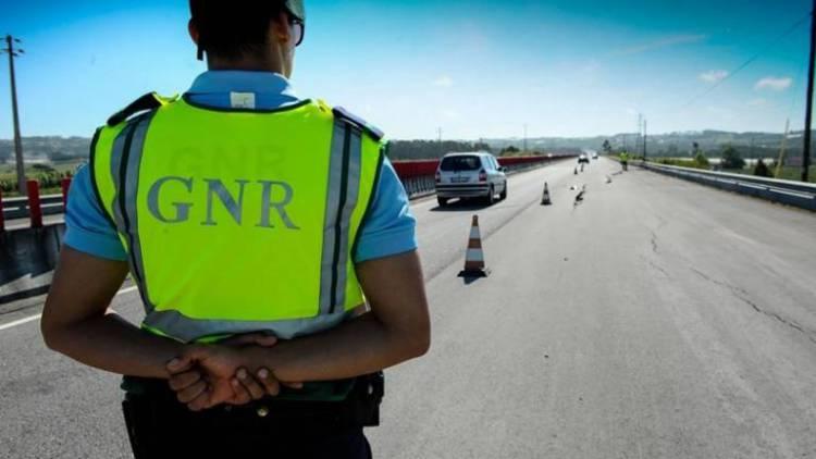 GNR registou esta quarta-feira no distrito de Évora 2 acidentes rodoviários e autuou 97 condutores (c/som)