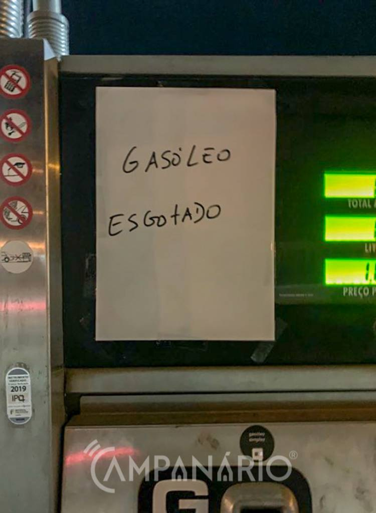 Em Vila Viçosa já há postos de abastecimento de combustível com tanques vazios