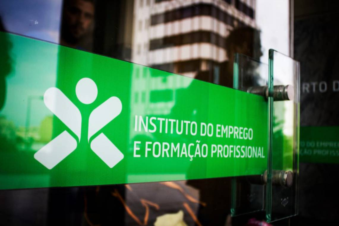 Desemprego registado renova mínimos desde 2008. Maior quebra é no Algarve