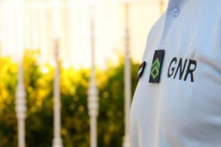 GNR registou 2 crimes e 58 contraordenações esta terça-feira, no distrito de Évora (c/som)