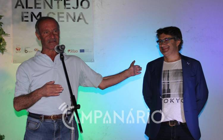 """Jorge Serafim, humorista """"com muita qualidade"""", divertiu Borba em noite de Contos no Pátio, diz autarca (c/som e fotos)"""