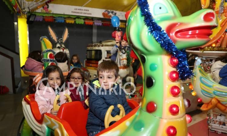 """O mais importante é que """"as crianças sejam felizes e se divirtam"""", diz Presidente do Município na iniciativa É Natal em Borba (c/som e fotos)"""
