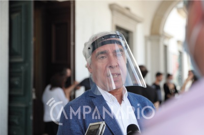 """""""Há pessoas do setor da cultura que já estão para lá do limite e sem rendimentos"""" alertou Carlos Pinto de Sá (C/SOM)"""
