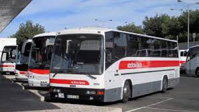 Covid 19 - Autocarros, comboios e táxis, DGS atualiza normas
