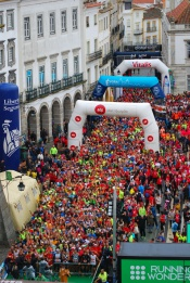 Milhares de pessoas calçam as sapatinhas na Meia Maratona de Évora, assinalando o 33º aniversário do reconhecimento internacional do Centro Histórico da Cidade