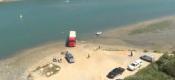 Camião espanhol sem condutor encontrado atolado no rio Mira em Vila Nova de Milfontes