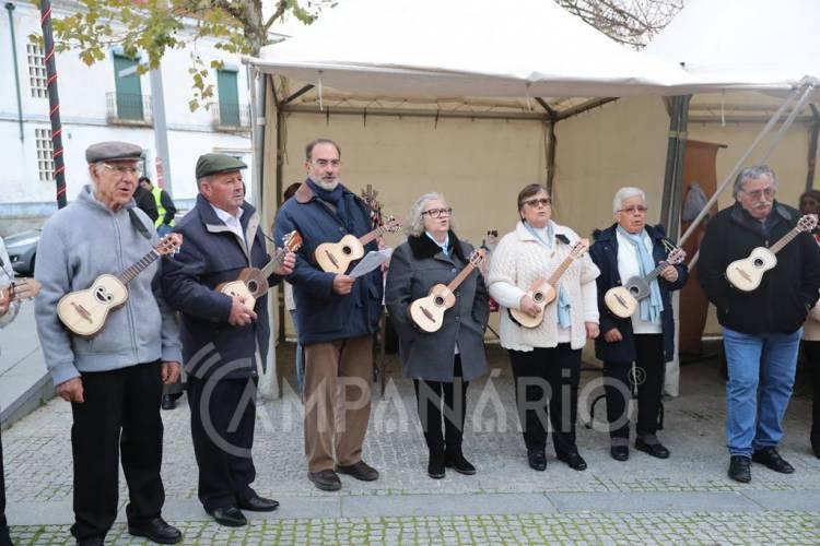Grupo sénior de cantares e cavaquinhos de Arraiolos espalhou espírito natalício pelas ruas da vila (c/som e fotos)