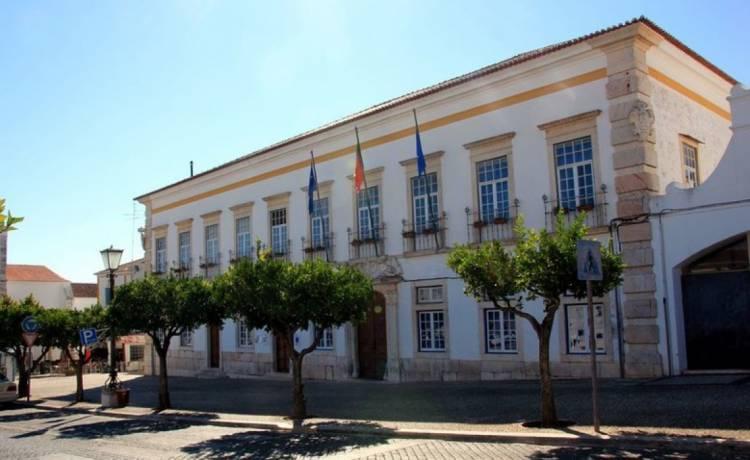 Vila Viçosa rejeita transferência de competências