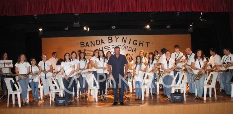 """""""Banda By Night"""" trouxe a Filarmónica do Centro Cultural de Borba á Aldeia Social da Santa Casa da Misericórdia (c/som e fotos)"""