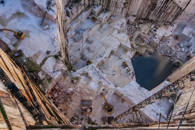 Conheça a lista das pedreiras que necessitam de intervenção na  Zona do Mármores