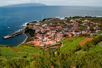Encontra-se em Portugal a ilha que já vacinou toda a população