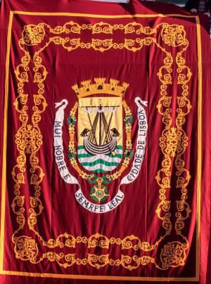 Pendões de Lisboa bordados com arte de Nisa