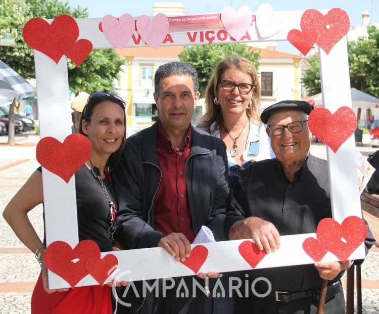 """Dezenas de pessoas participaram em ação """"Mime o Seu Coração"""", em Vila Viçosa (c/som e fotos)"""
