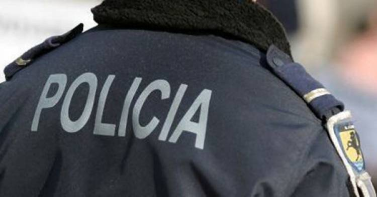 Homens de 20 e 25 anos detidos por assalto à mão armada a casal de namorados em Elvas