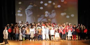 Festa de Natal do 1º ciclo de Alandroal animada com peça de teatro (c/som e fotos)