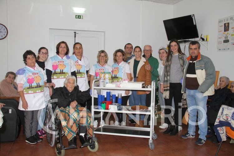 A Campanário foi celebrar o centenário de idosa na aldeia de Terena (c/som e fotos)