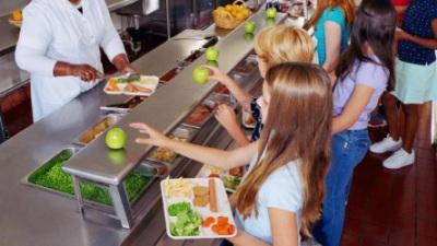 Escolas de referência abrem durante férias da Páscoa para refeições