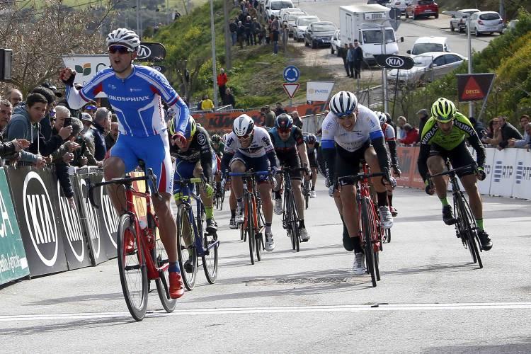 Russo Dimitri Strakhov venceu terceira etapa da 36ª Volta ao Alentejo (c/som)