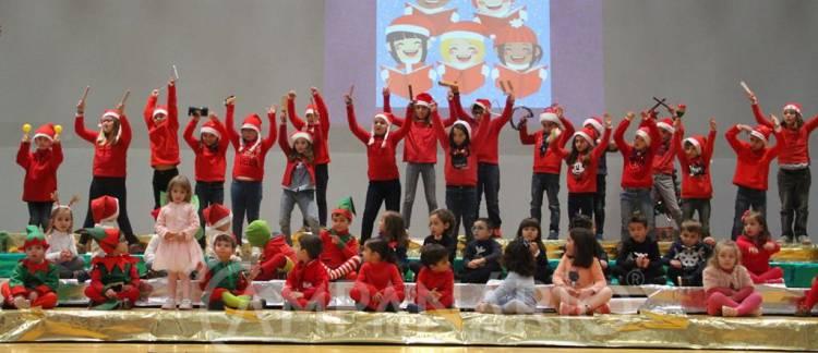 """Vila Viçosa: """"Profissionais, crianças e família"""" reunidos na festa de Natal da creche, jardim de infância e CATL da S.C.M. (c/som e fotos)"""