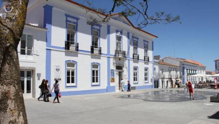 """Câmara de Arraiolos vai investir mais de 1,6 milhões de euros em """"arranjo urbanístico"""", diz autarca Sílvia Pinto (c/som)"""