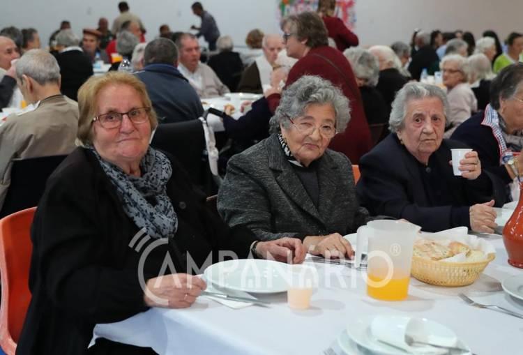 Mourão: Aldeia da Luz recebeu almoço convívio em dia dedicado aos idosos (c/som e fotos)
