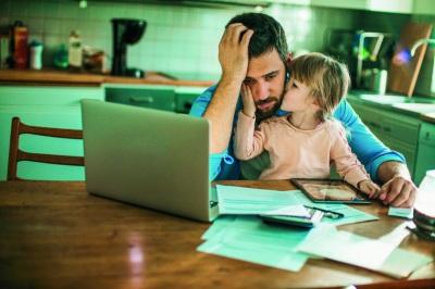 Parlamento aprovou hoje reforço do apoio aos pais em teletrabalho. Saiba tudo aqui