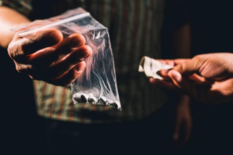 PSP detém seis indivíduos e apreende mais de 1200 doses de droga em Évora e Beja