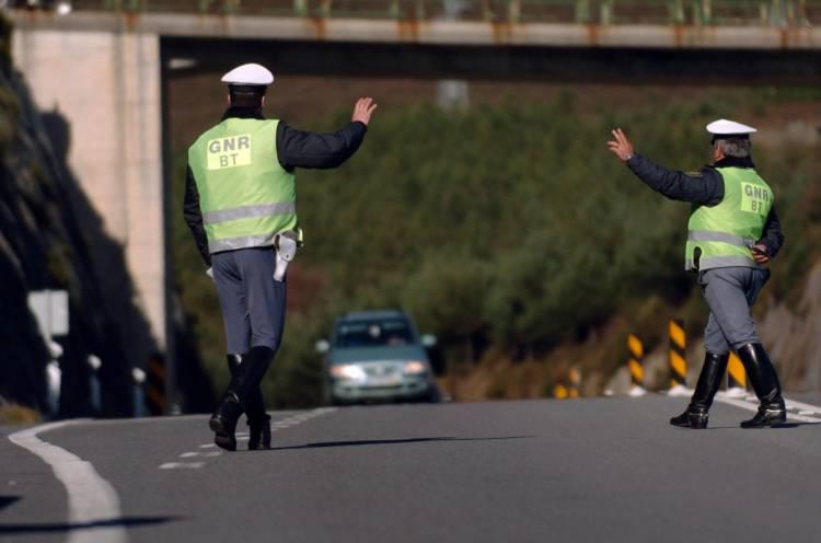 GNR registou 87 infrações rodoviárias esta quarta-feira, no distrito de Évora (c/som)