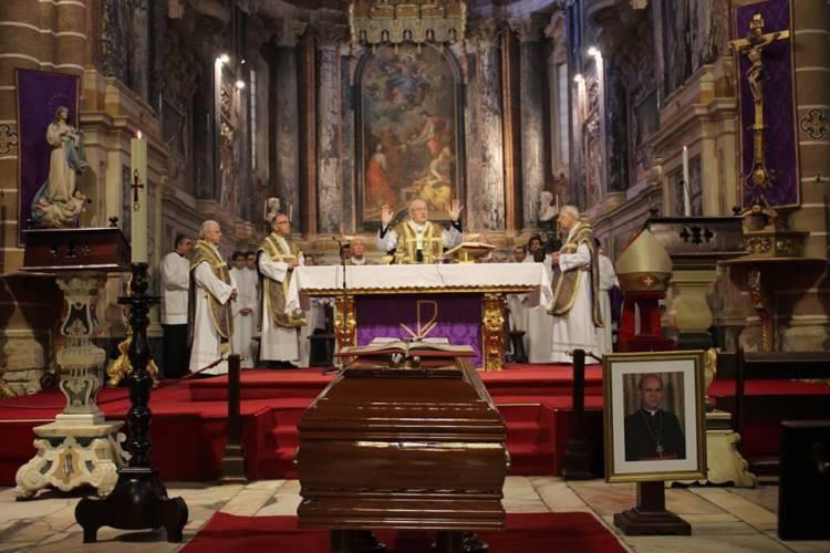 Cerimónias e exéquias fúnebres a D. Maurílio de Gouveia, Arcebispo Emérito de Évora (c/fotos)